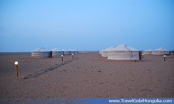 Говь суварга жуулчны бааз / Gobi suvarga tourist camp