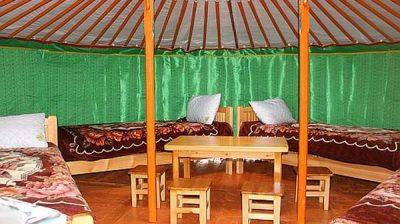 Алтан Ураг жуулчны бааз / Altan urag tourist camp